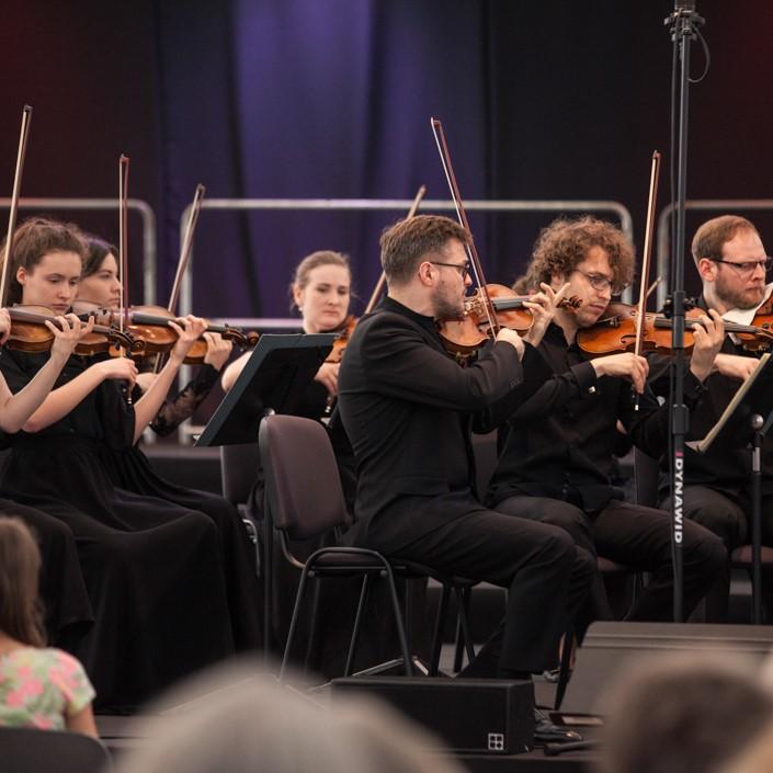 Jakub Haufa & Ralph van Daal & Orkiestra Akademii Sinfonia Varsovia