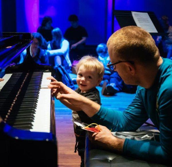 KLARNET IPRZYJACIELE | Koncert Przyjazny Sensorycznie dostosowany dopotrzeb osób zespektrum autyzmu